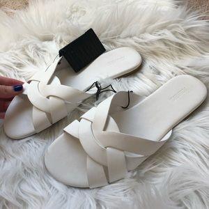 F21 White Slip on Sandals in White Size 6